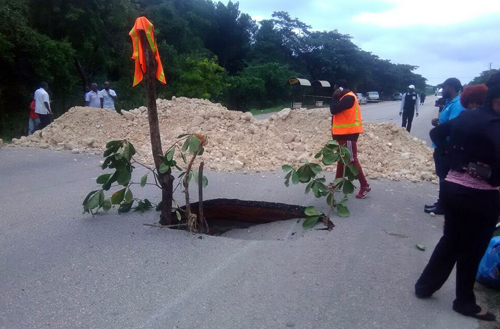 Highway collapses - Chaos in Falmouth