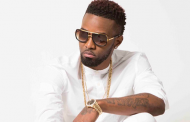 Konshens performs at Ayesha Curry's birthday party